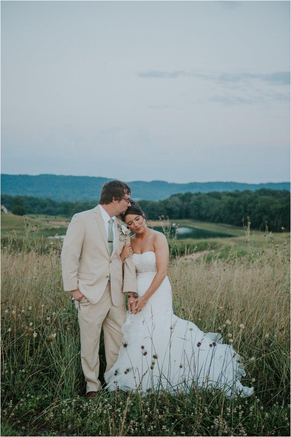 pink-rustic-apple-barn-howe-farms-elegant-summer-wedding-cleveland-tennessee-chattanooga-georgetown-tn_0192.jpg