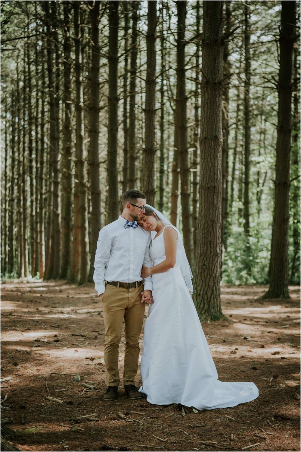 sugar-hollow-park-bristol-virginia-wedding-intimate-woodsy-black-forest-ceremony-adventurous-couple_0066.jpg