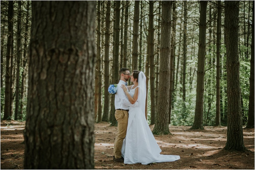 sugar-hollow-park-bristol-virginia-wedding-intimate-woodsy-black-forest-ceremony-adventurous-couple_0070.jpg