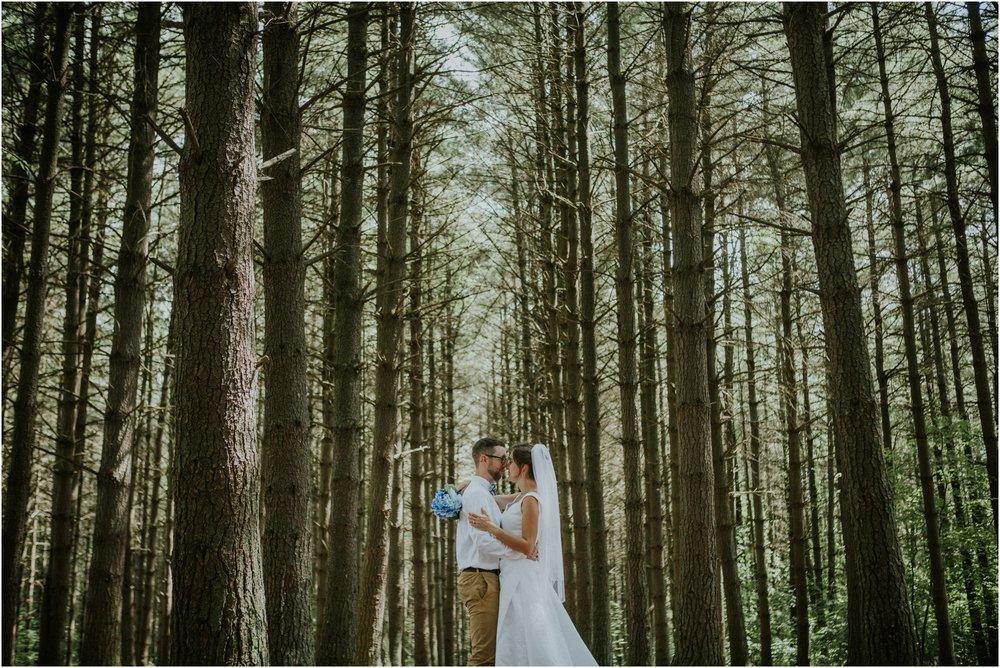 sugar-hollow-park-bristol-virginia-wedding-intimate-woodsy-black-forest-ceremony-adventurous-couple_0075.jpg