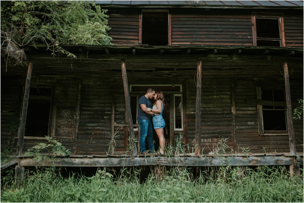 rustic-farm-virginia-countryside-sunset-engagement-session-grayson-county-independence-katy-sergent-northeast-tennessee_0054.jpg