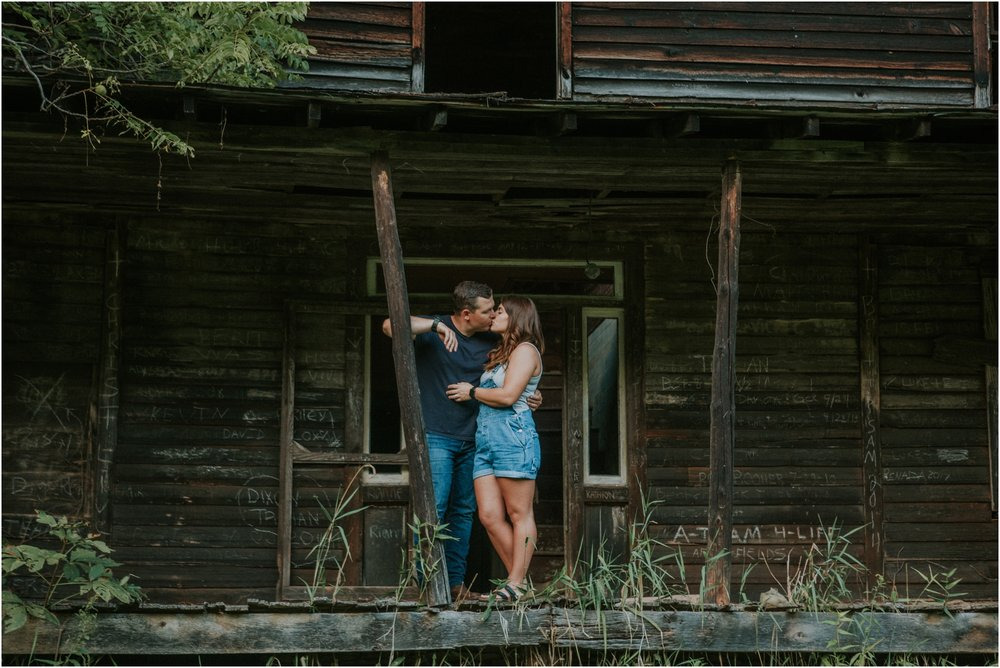 rustic-farm-virginia-countryside-sunset-engagement-session-grayson-county-independence-katy-sergent-northeast-tennessee_0055.jpg