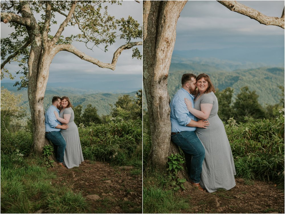 beauty-spot-unaka-mountains-erwin-tn-tennessee-engagement-session-sunset-adventurous-couple-mountain-bald_0015.jpg