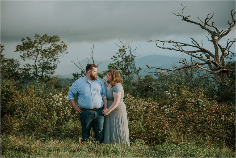 beauty-spot-unaka-mountains-erwin-tn-tennessee-engagement-session-sunset-adventurous-couple-mountain-bald_0025.jpg