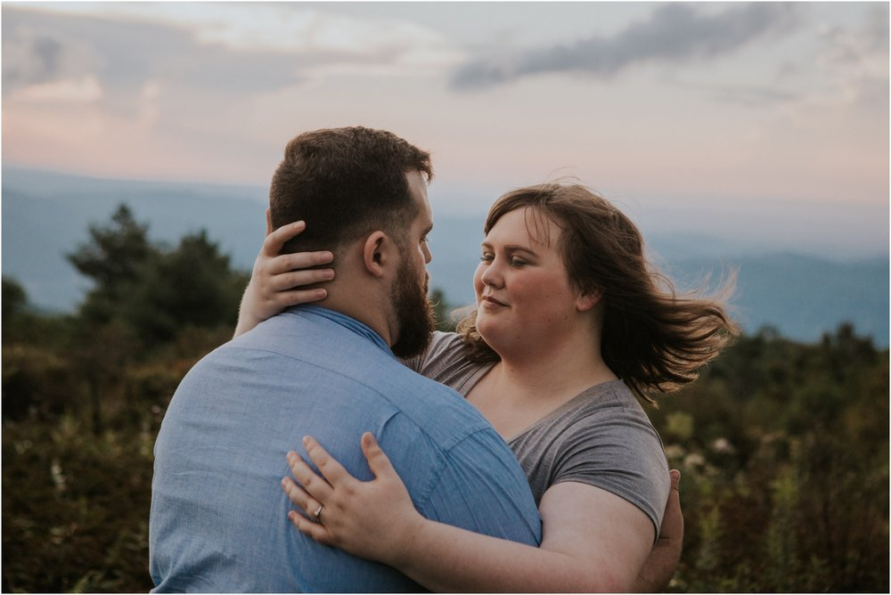 beauty-spot-unaka-mountains-erwin-tn-tennessee-engagement-session-sunset-adventurous-couple-mountain-bald_0043.jpg