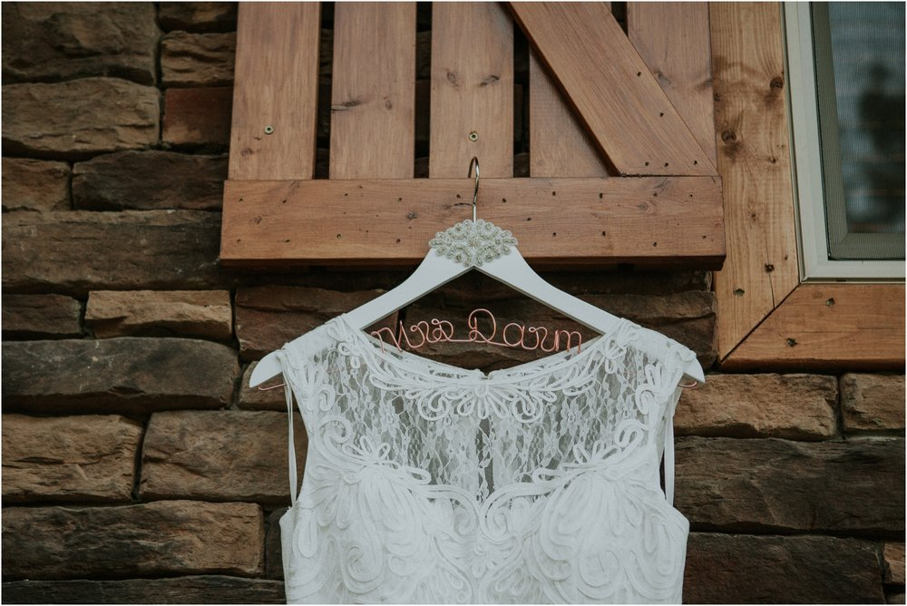 cabin-parkside-resort-the-magnolia-venue-tennessee-mountain-views-intimate-wedding_0012.jpg