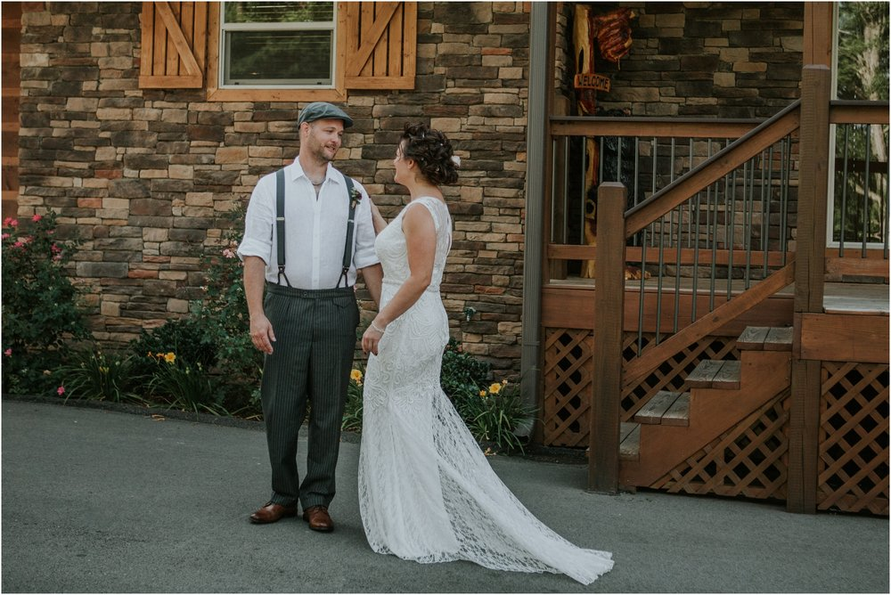 cabin-parkside-resort-the-magnolia-venue-tennessee-mountain-views-intimate-wedding_0059.jpg