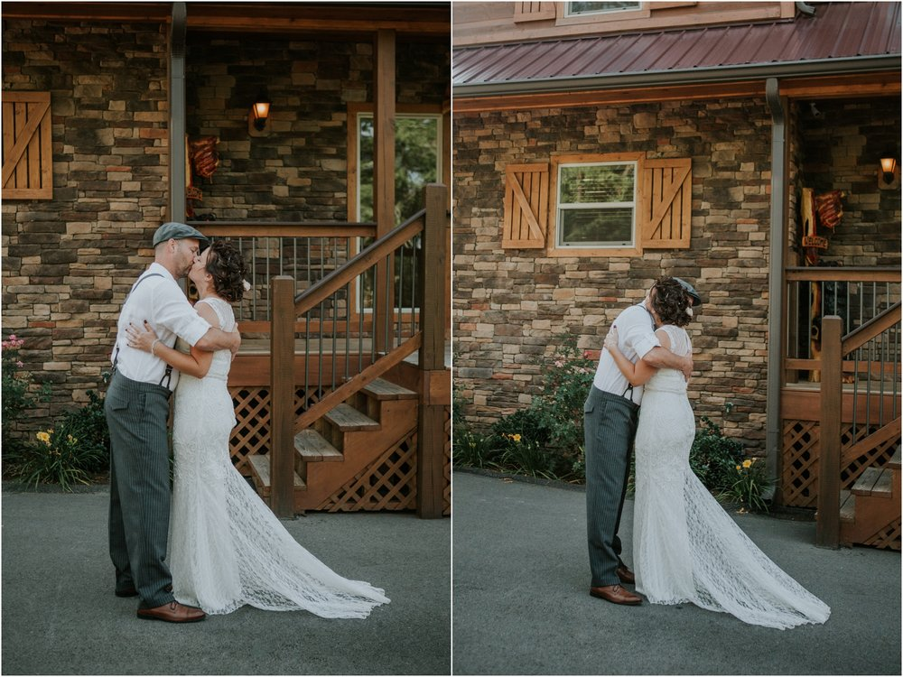 cabin-parkside-resort-the-magnolia-venue-tennessee-mountain-views-intimate-wedding_0060.jpg