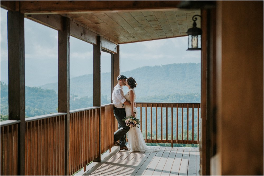cabin-parkside-resort-the-magnolia-venue-tennessee-mountain-views-intimate-wedding_0076.jpg
