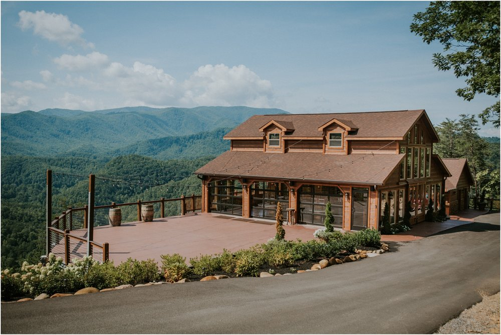 cabin-parkside-resort-the-magnolia-venue-tennessee-mountain-views-intimate-wedding_0098.jpg