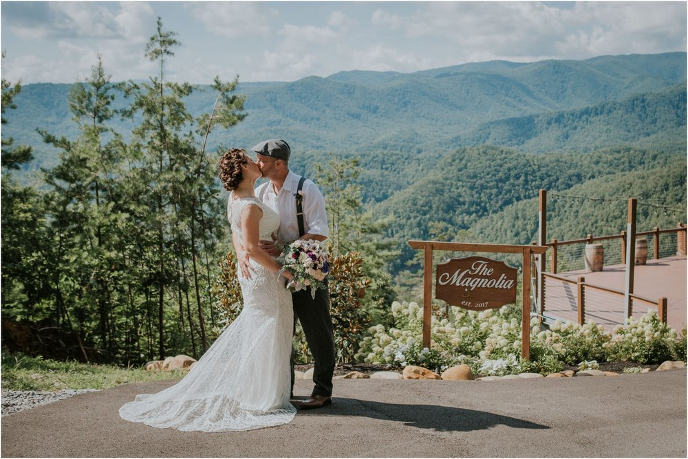 cabin-parkside-resort-the-magnolia-venue-tennessee-mountain-views-intimate-wedding_0101.jpg