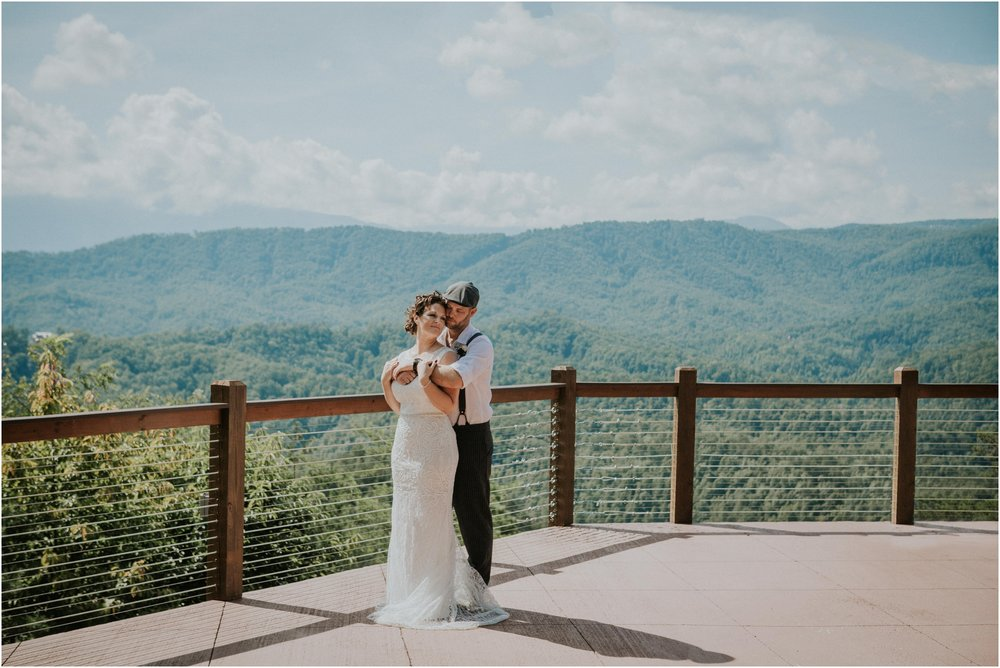 cabin-parkside-resort-the-magnolia-venue-tennessee-mountain-views-intimate-wedding_0108.jpg