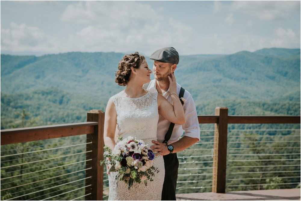 cabin-parkside-resort-the-magnolia-venue-tennessee-mountain-views-intimate-wedding_0112.jpg