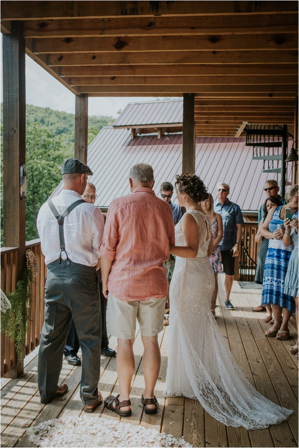cabin-parkside-resort-the-magnolia-venue-tennessee-mountain-views-intimate-wedding_0120.jpg