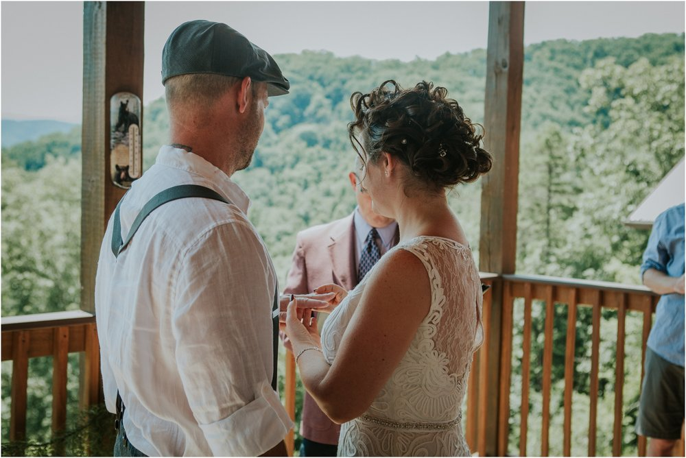 cabin-parkside-resort-the-magnolia-venue-tennessee-mountain-views-intimate-wedding_0136.jpg