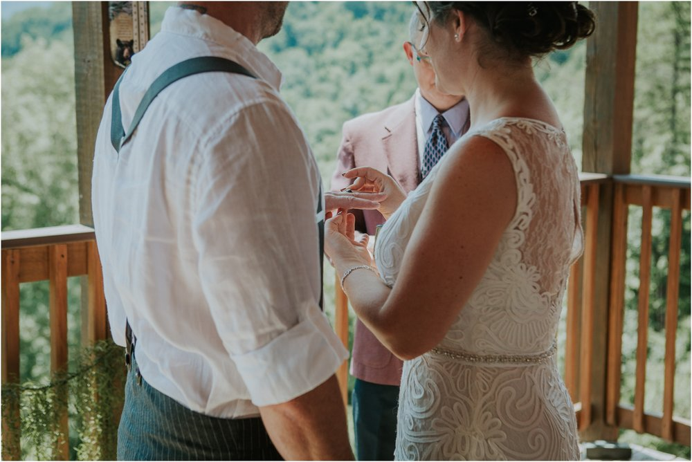 cabin-parkside-resort-the-magnolia-venue-tennessee-mountain-views-intimate-wedding_0137.jpg