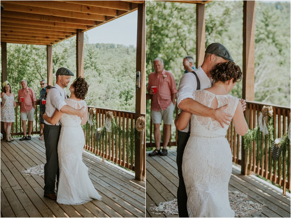 cabin-parkside-resort-the-magnolia-venue-tennessee-mountain-views-intimate-wedding_0167.jpg