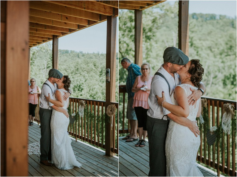 cabin-parkside-resort-the-magnolia-venue-tennessee-mountain-views-intimate-wedding_0173.jpg