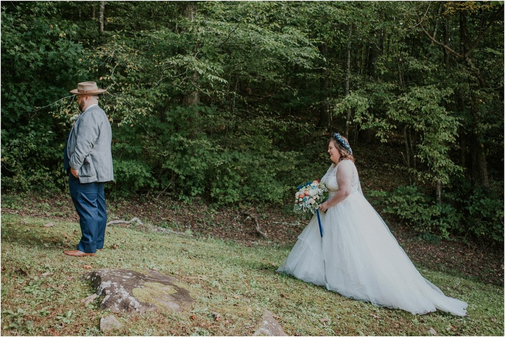 caryville-robbins-middle-tennessee-intimate-cozy-fall-navy-rustic-backyard-wedding_0037.jpg