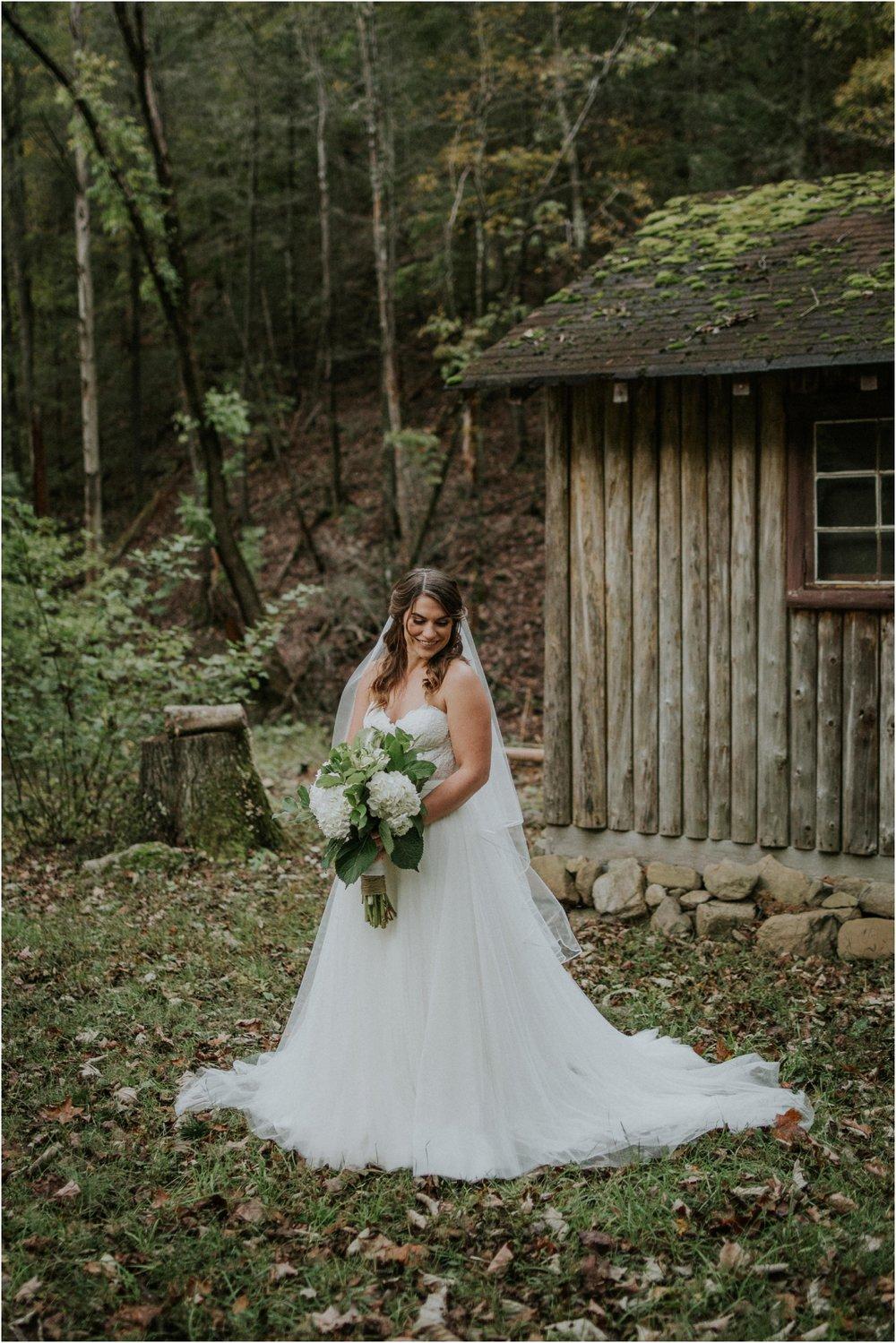 camp-at-buffalo-mountain-jonesborough-tennessee-rustic-wedding-elopement-fall-johnsoncity-northeast-tn_0116.jpg