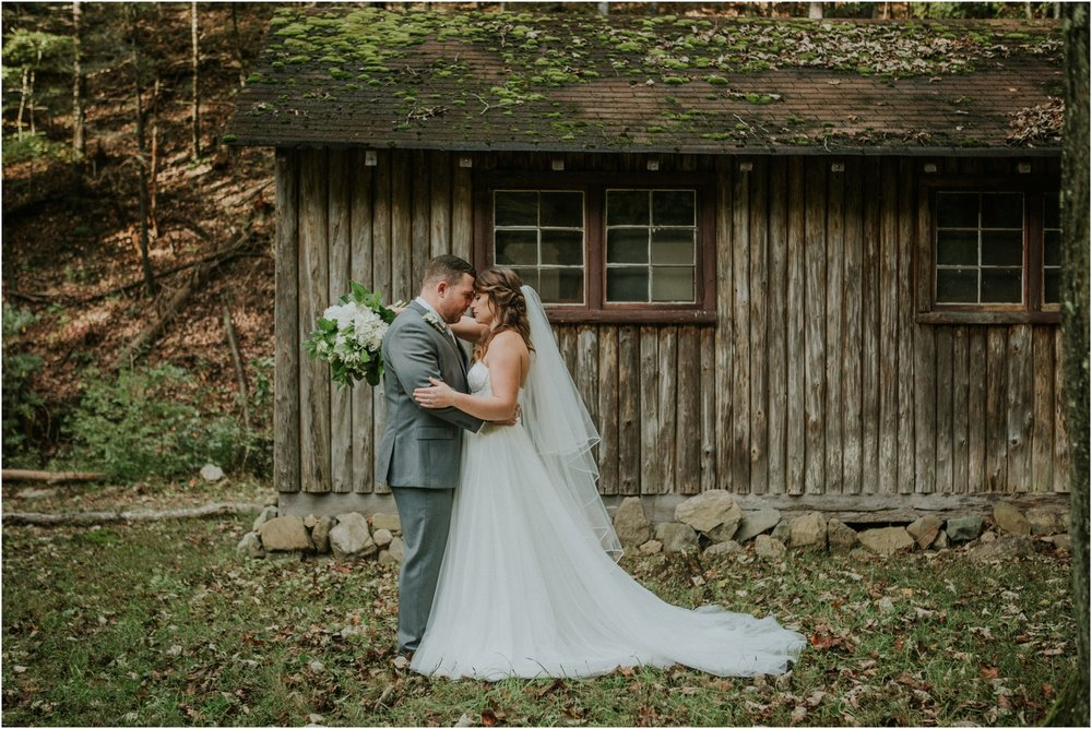 camp-at-buffalo-mountain-jonesborough-tennessee-rustic-wedding-elopement-fall-johnsoncity-northeast-tn_0128.jpg