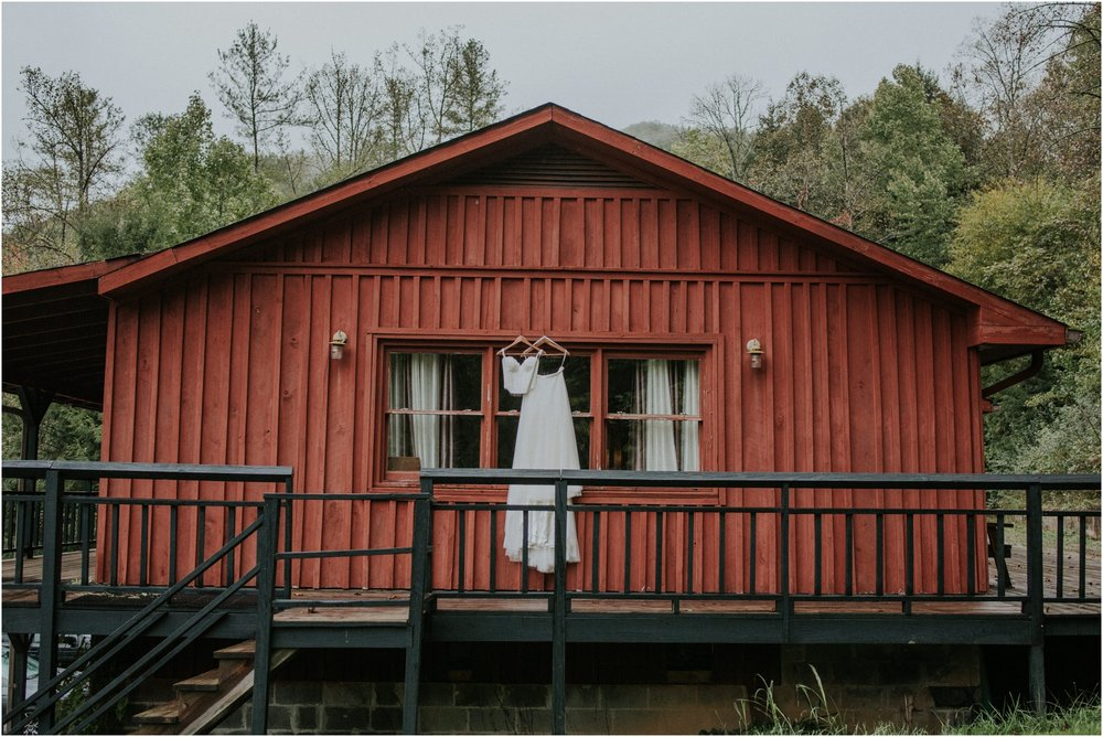 camp-at-buffalo-mountain-jonesborough-tennessee-rustic-wedding-elopement-fall-johnsoncity-northeast-tn_0005.jpg