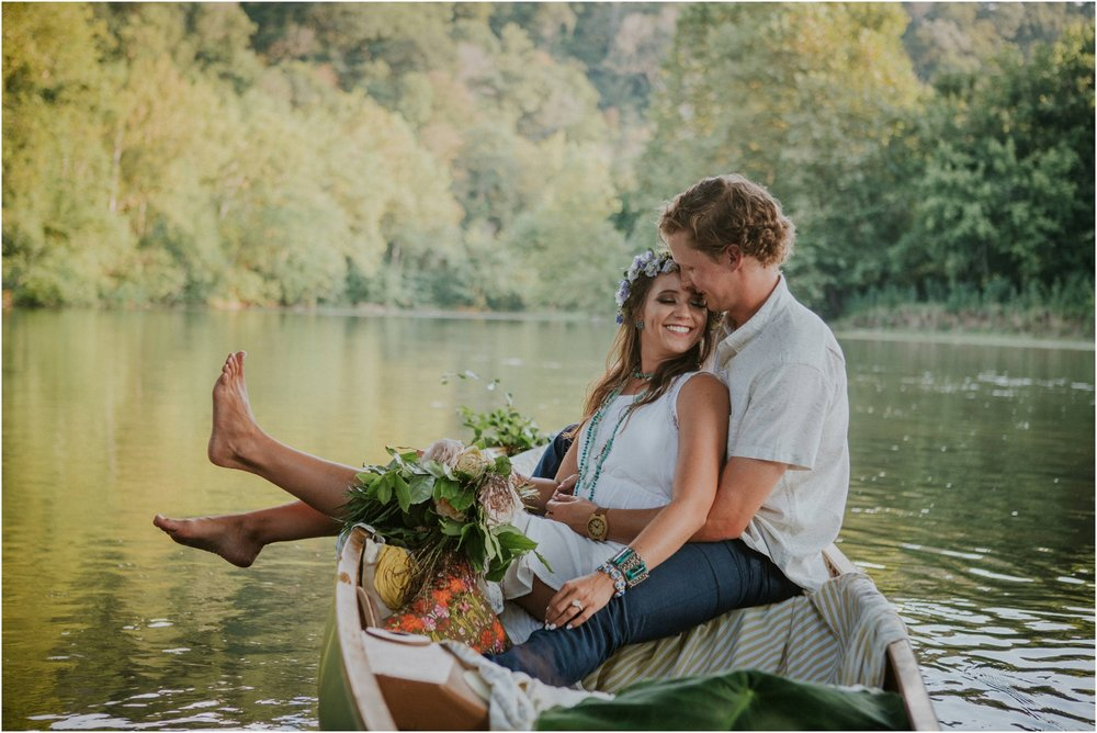 homestead-on-the-holston-hiltons-virginia-bohemian-canoe-styled-shoot-northeast-tennessee-elopement-wild-free-spirit_0022.jpg