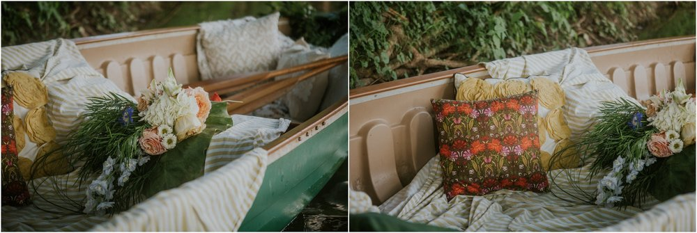 homestead-on-the-holston-hiltons-virginia-bohemian-canoe-styled-shoot-northeast-tennessee-elopement-wild-free-spirit_0025.jpg