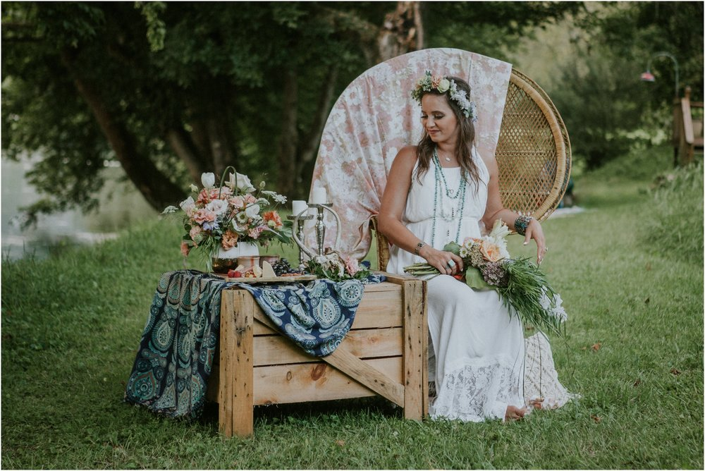homestead-on-the-holston-hiltons-virginia-bohemian-canoe-styled-shoot-northeast-tennessee-elopement-wild-free-spirit_0036.jpg