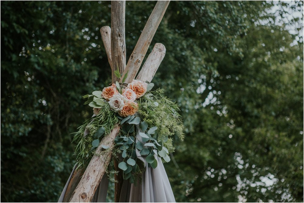 homestead-on-the-holston-hiltons-virginia-bohemian-canoe-styled-shoot-northeast-tennessee-elopement-wild-free-spirit_0046.jpg