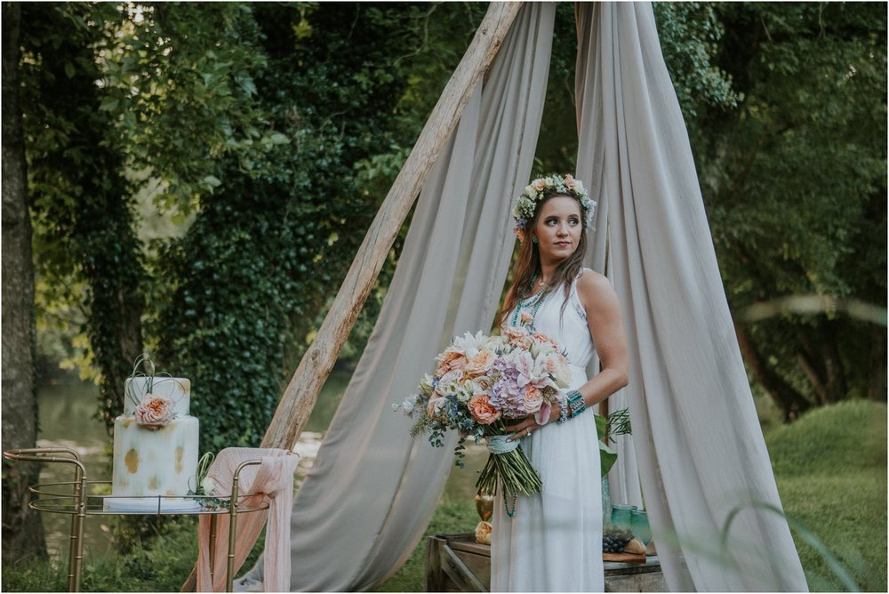 homestead-on-the-holston-hiltons-virginia-bohemian-canoe-styled-shoot-northeast-tennessee-elopement-wild-free-spirit_0050.jpg