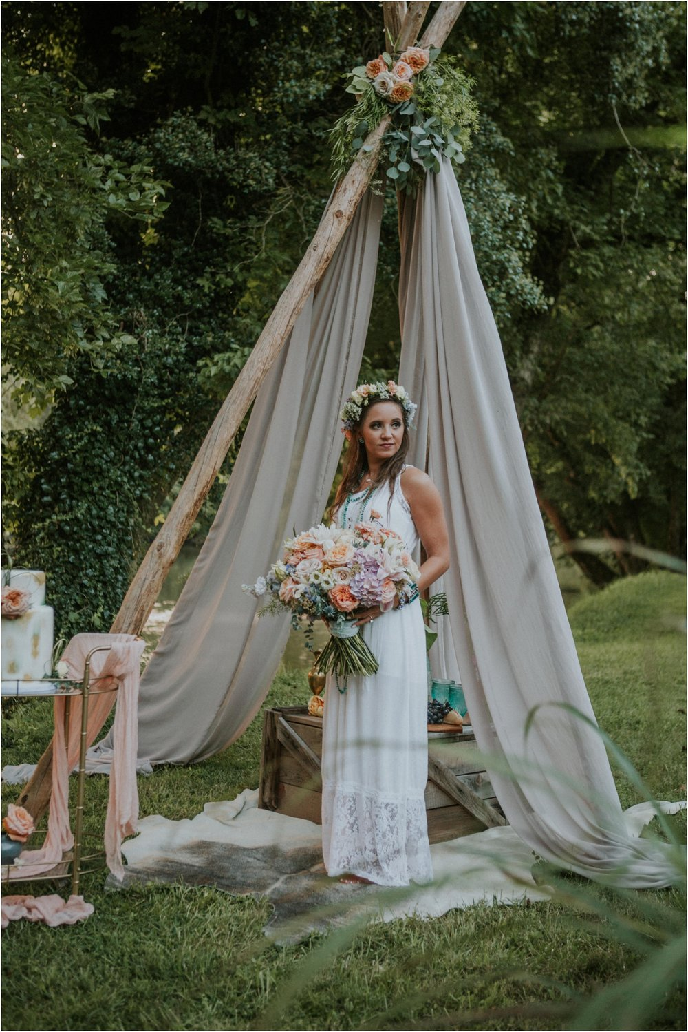 homestead-on-the-holston-hiltons-virginia-bohemian-canoe-styled-shoot-northeast-tennessee-elopement-wild-free-spirit_0049.jpg