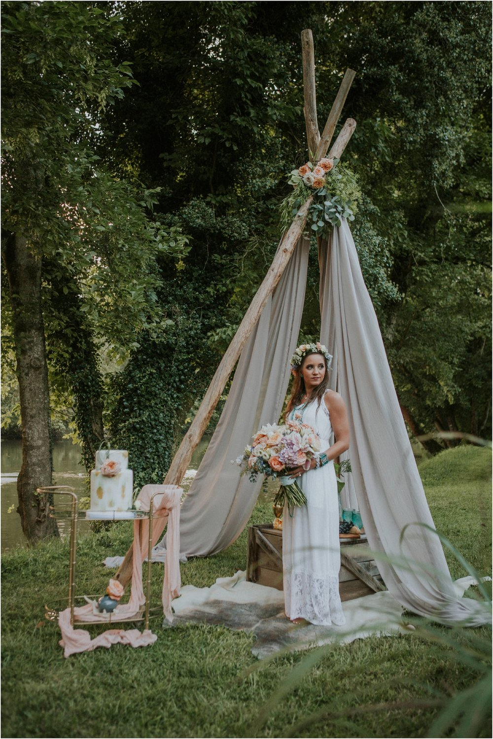 homestead-on-the-holston-hiltons-virginia-bohemian-canoe-styled-shoot-northeast-tennessee-elopement-wild-free-spirit_0051.jpg