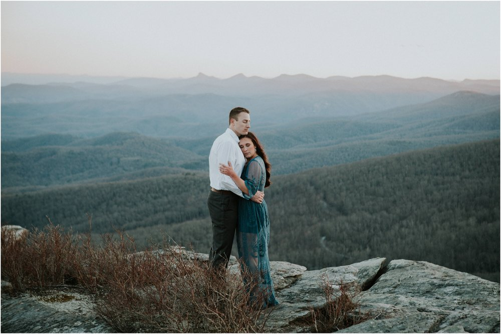 blue-ridge-parkway-mountain-engagement-boone-blowingrock-linville-north-carolina-tennessee-katy-sergent-photography_0001.jpg