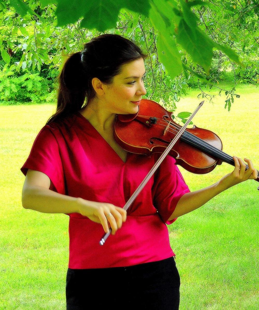 MIKI-SOPHIA CLOUD, violin