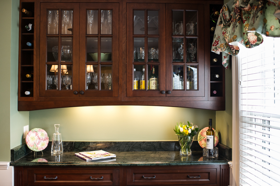8-KitchenVisions-Dining-Room-Bar-Wellesley.jpg