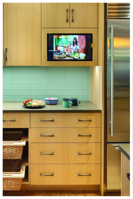 KitchenVisions-Modern-Kitchen-Wayland-BD06150105.jpg