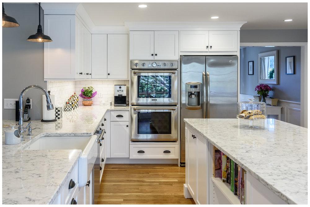KitchenVisions-Transitional-Kitchen-Wayland-2.jpg