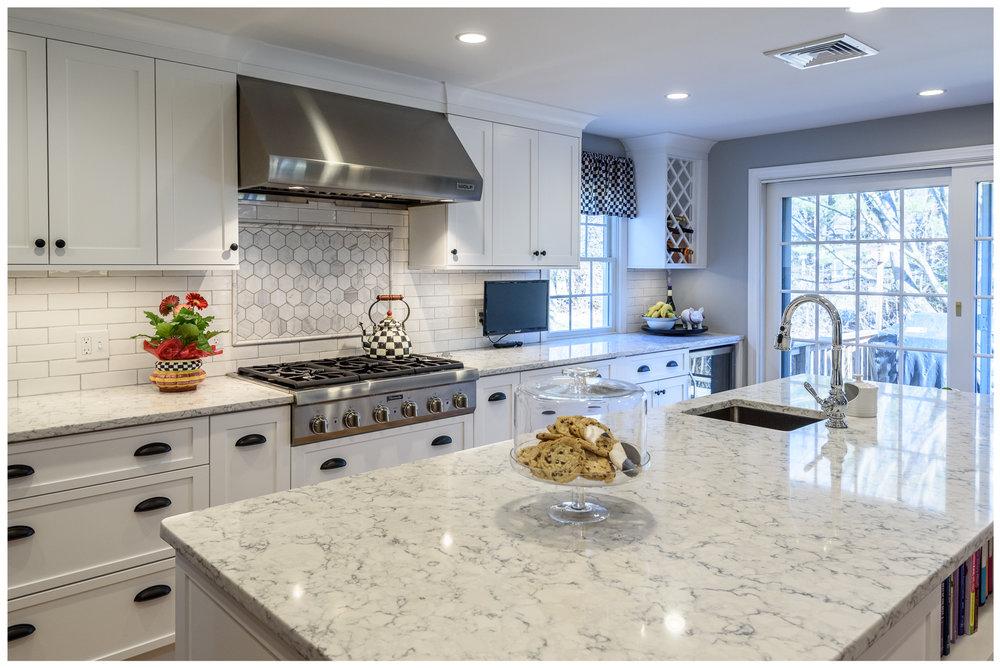 KitchenVisions-Transitional-Kitchen-Wayland-3.jpg