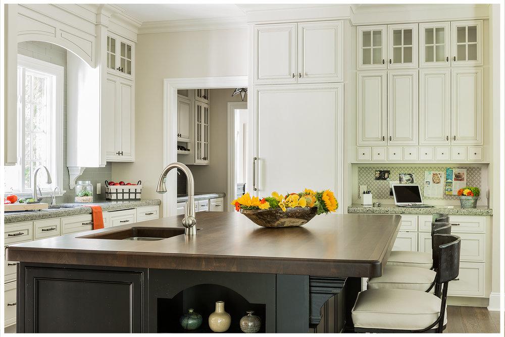 KitchenVisions-New-Traditional-Kitchen-Dedham-K8B0079.jpg