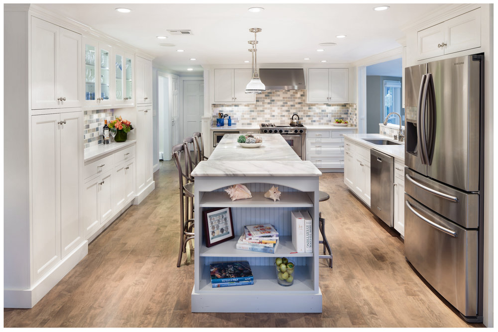2-KitchenVisions-New-Traditional-Kitchen-Hingham.jpg