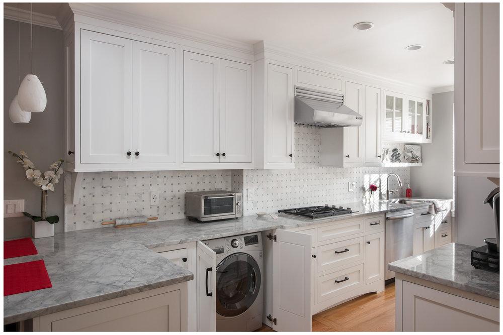 KitchenVisions-New-Traditional-Kitchen-Boston-04.jpg