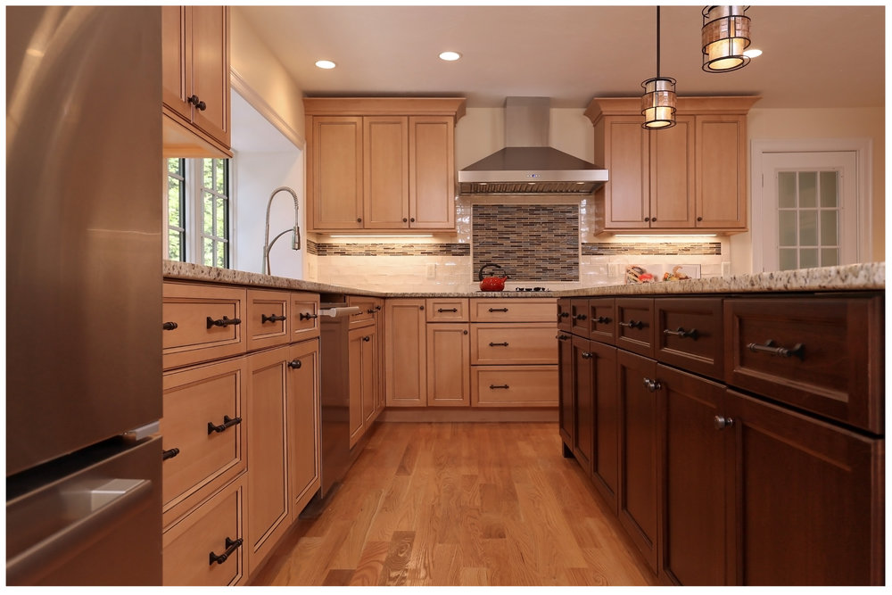 KitchenVisions-New-Traditional-Kitchen-ChestnutHill-6E9C8449rt-12x8-300.jpg