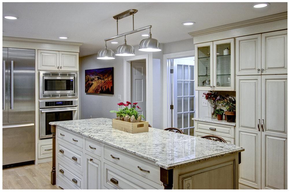KitchenVisions-New-Traditional-Kitchen-Sudbury-2.jpg