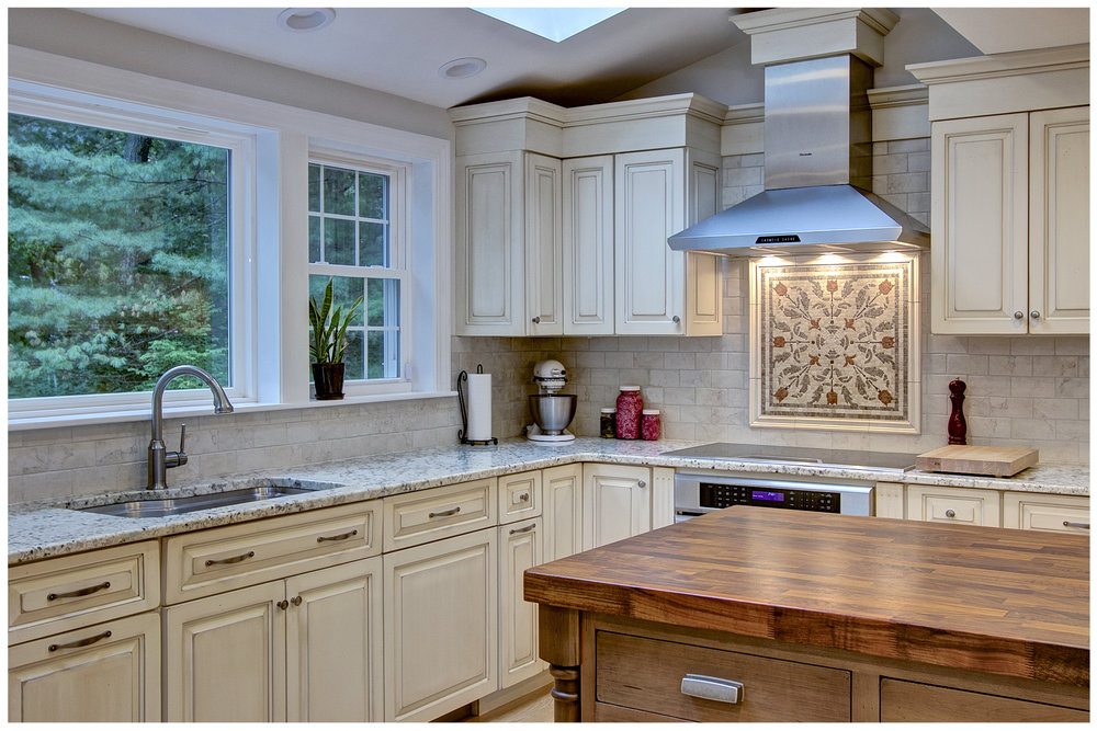 KitchenVisions-New-Traditional-Kitchen-Sudbury-4.jpg