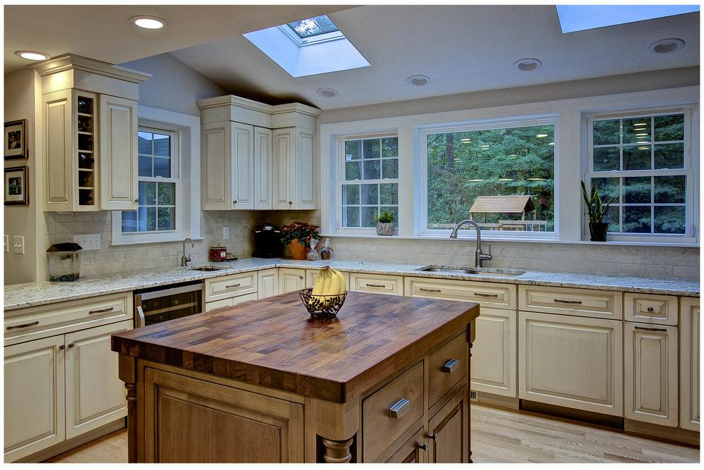 KitchenVisions-New-Traditional-Kitchen-Sudbury-3.jpg