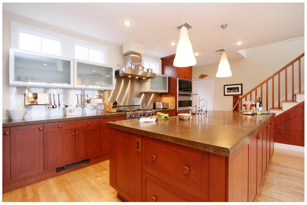 3_KitchenVisions-Transitional-Kitchen-RI.JPG