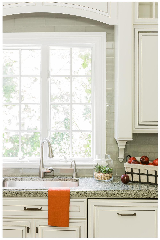 KitchenVisions-New-Traditional-Kitchen-Dedham_K8B0159.jpg