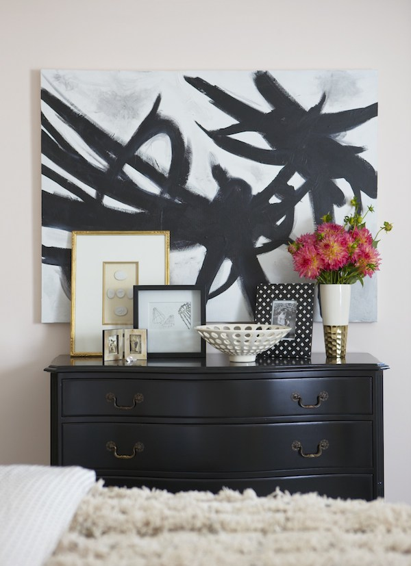 The incredibly talented Erin Gates of Elements of Style did this black and white piece herself for her guest bedroom.  A great project for your DIYers out there! {Via Elements of Style Blog}