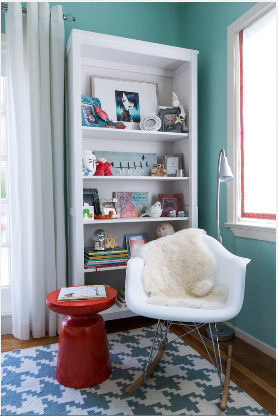 This large scale houndstooth is lovely in this modern kid's room. And love this color combination! {Via Houzz}